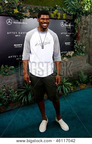 NEW YORK - MAY 29: New York Giants player Ramses Barden attends the premiere of