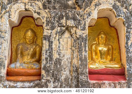 Buddha statutes in Old Bagan