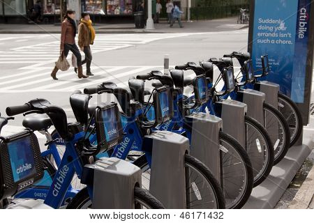 NEW YORK-MAY 25: New blue Citi Bikes lined up at the Greenwich Village station at 6th Avenue in Manhattan on May 25, 2013. The Bike-Share program begins on Memorial Day.