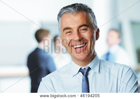 Ältere Businessman Smiling