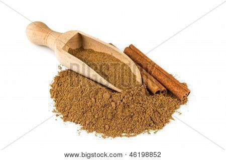 Ground Cinnamon And Cinnamon Stick