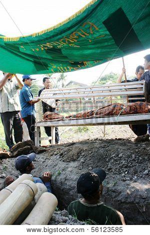 Muslim funeral atmosphere