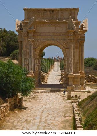 Tha gate