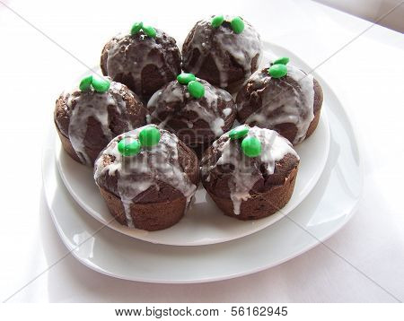 The chocolate candy cupcakes