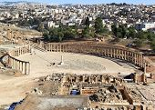 picture of cardo  - The Oval forum at the roman ruins of Jerash in Jordan - JPG