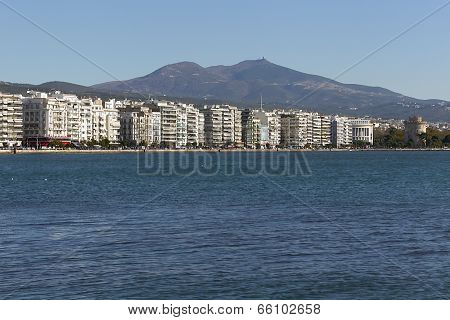 View Of The City Thessaloniki During Rush Hour. Nikis Avenue From Aristotelous Square To The White T