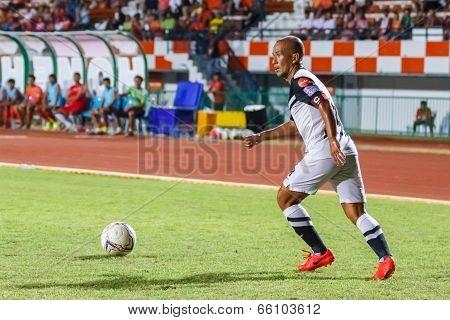Sisaket Thailand-may 28: Therdsak Chaiman Of Chonburi Fc. In Action During Thai Premier League Betwe