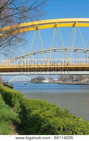 Yellow Arch Bridge