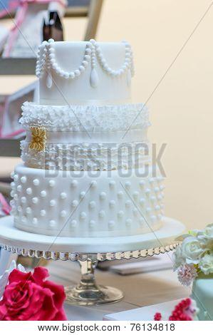 Wedding Cake In White. Elegant And Romantic Big Cake
