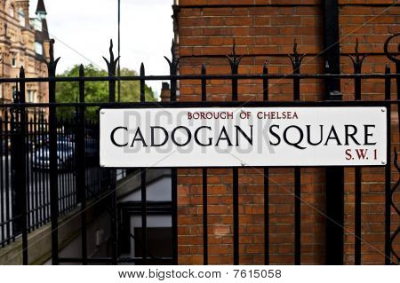Cadogan Square street sign