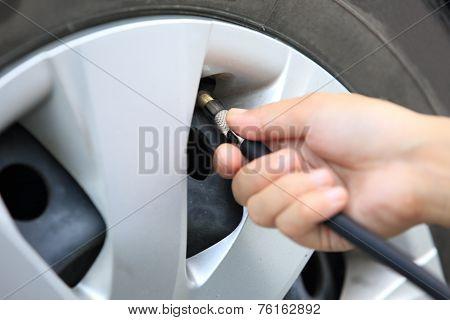 Checking add air pressure