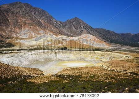 Nisyros crater