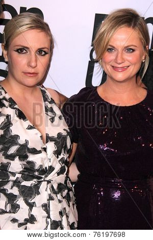 LOS ANGELES - NOV 11:  Lena Dunham, Amy Poehler at the PEN Center USA 24th Annual Literary Awards at the Beverly Wilshire Hotel on November 11, 2014 in Beverly Hills, CA