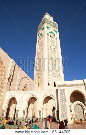 CASABLANCA, MOROCCO - MAR 8 2015 : Visitors enjoy the beauty of the Hassan II mosque.