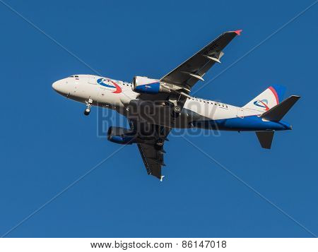 Aircraft Airbus A319, Airlines Ural Airlines