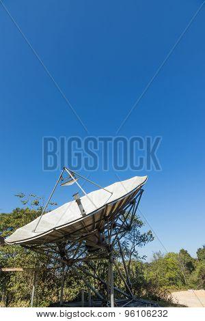 Analog Television Antenna Transmitter