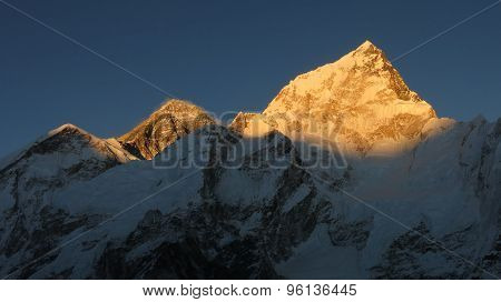 Mt Everest And Nuptse At Sunset