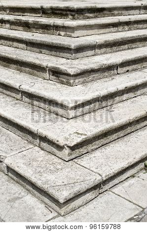 ?ld White Stone Staircase Closeup