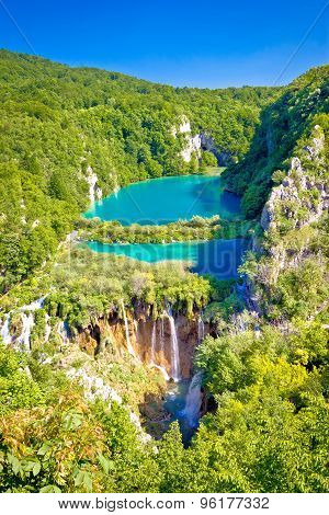 Beautiful Falling Lakes Of Plitvice National Park