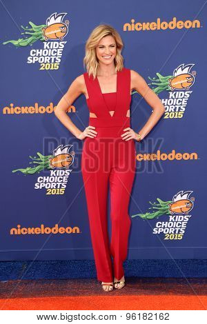 LOS ANGELES - JUL 16:  Erin Andrews at the 2015 Kids' Choice Sports at the UCLA's Pauley Pavilion on July 16, 2015 in Westwood, CA