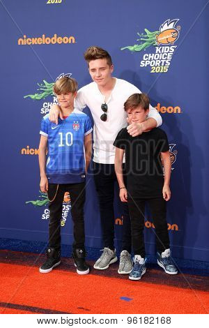 LOS ANGELES - JUL 16:  Romeo Beckham, Brooklyn Beckham, Cruz Beckham at the 2015 Kids' Choice Sports at the UCLA's Pauley Pavilion on July 16, 2015 in Westwood, CA