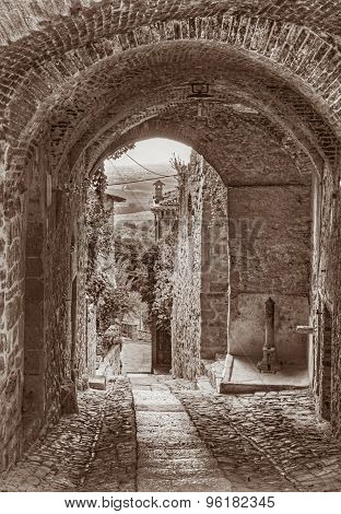 Old Italian Alley