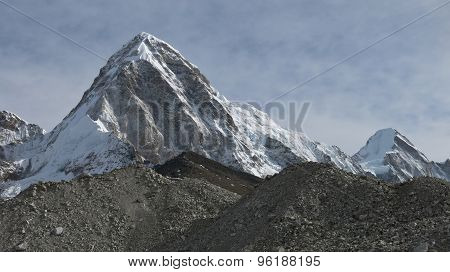 Pumo Ri And Kala Patthar