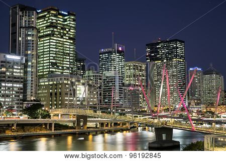 Brisbane Cityscape and Kurilpa bridge closeup