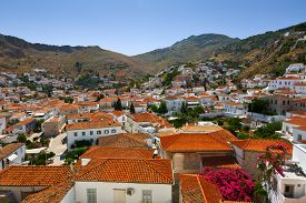 picture of hydra  - View of the town of Hydra from the streets - JPG