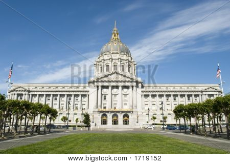 San Francisco'S City Hall Full View