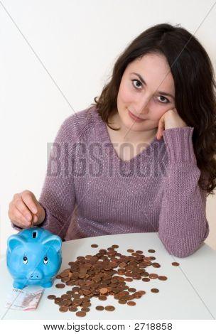 Mujer con Piggybank