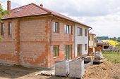 pic of 2x4  - residential house under construction - JPG