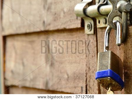 lock on shed open