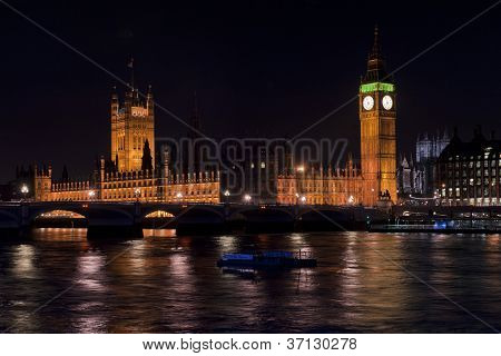 Big Ben And House Of Parliament By Night