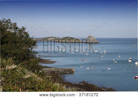 O porto de Cancale, Bretagne, France
