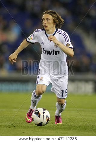 BARCELONA - MAY, 11: Luka Modric of Real Madrid during the Spanish League match between Espanyol and Real Madrid at the Estadi Cornella on May 11, 2013 in Barcelona, Spain