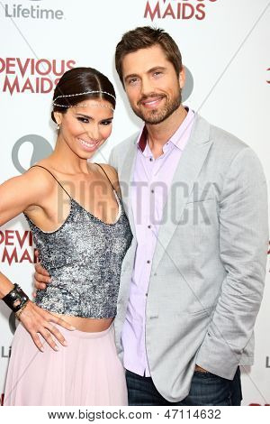LOS ANGELES - JUN 17:  Roselyn Sanchez, Eric Winter arrives at the