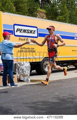 Ben Hoffman, Coeur d'Alene Ironman executando o evento