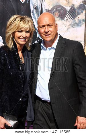LOS ANGELES - JUN 22:  Cal Ripkin Jr. and wife  at the World Premiere of