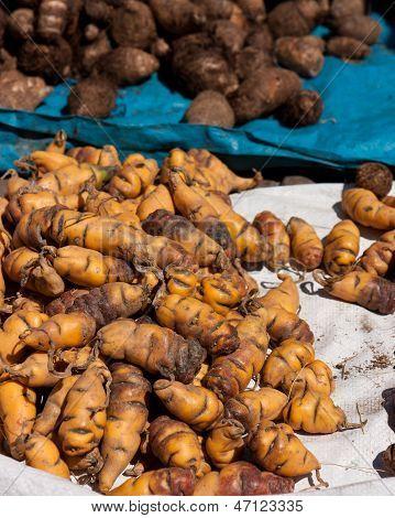 Patatas, día de mercado en Pisac, Perú