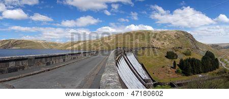 The Claerwen reservoir dam road panorama.