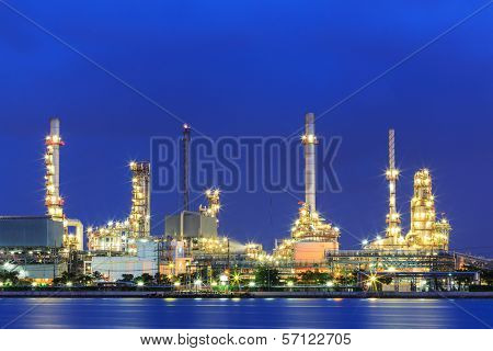 Night Oil And Gas Factory Pipeline