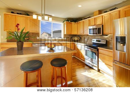 Comfortable Big Kitchen Room