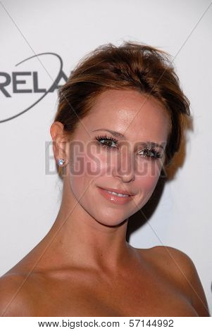 Jennifer Love Hewitt at the 2011 Art Of Elysium