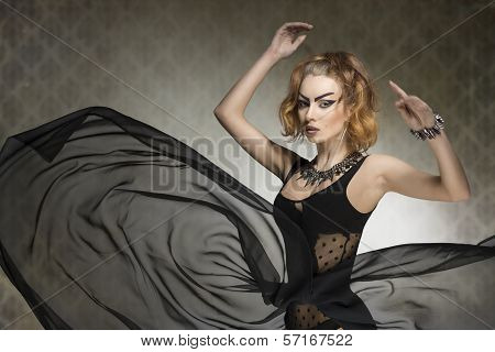 Sensual Bizarre Dark Lady