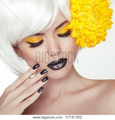 Fashion Blond Model Girl Portrait With Trendy Short Hair Style, Black Make Up And Manicure. Black Na