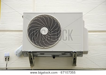 Air Compressor Fan On  Wall