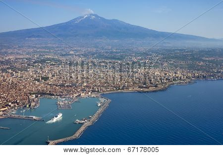 Air photo of Catania