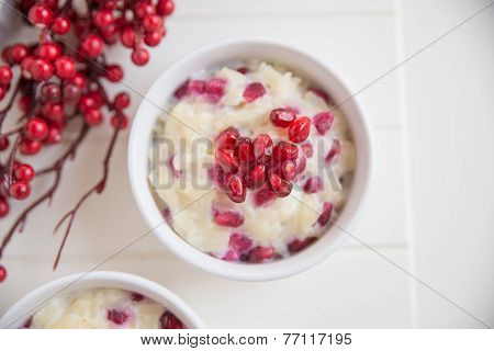 creamy rice pudding with pomegranate