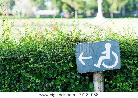 Accessible Way Sign